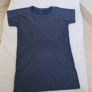 Lululemon sport tshirt